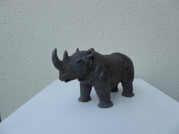 Rhino pas féroce - sculpture Pascale Elghozi