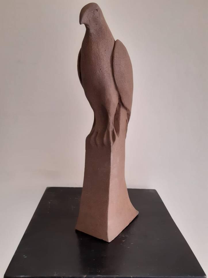Buse solitaire sculpture de 3/4 face première sculpture de la trilogie à bec