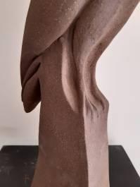 La buse solitaire sculpture de pascale elghozi details
